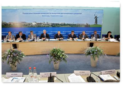 В Волгограде В.В.Путин провел совещание по снижению административных барьеров в строительстве